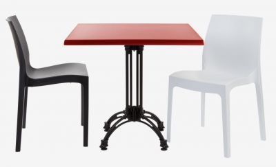 Moby Outdoor Set With A Werz Square Table Top