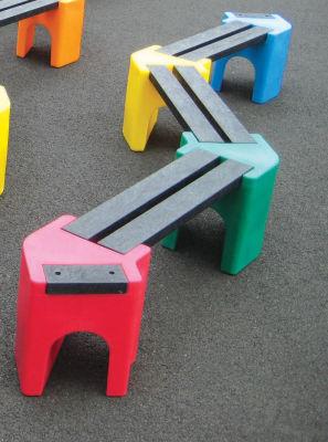 6 Person Zigzag Bench