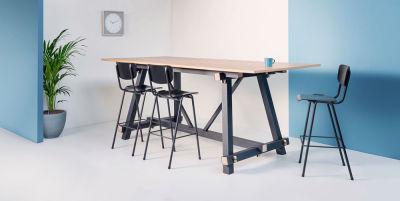 Tote-Chair400-Scene2