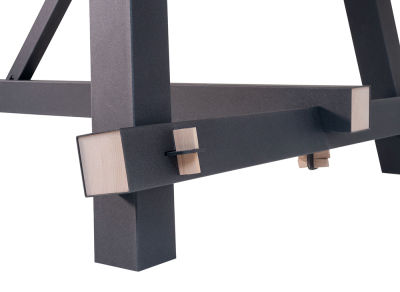 Tote-Detail-Wooden-Leg-insert-block