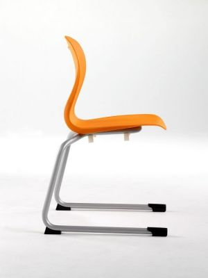Canteliver-Leg-Frame-Chair-with-Polypropelene-Shell-Colour